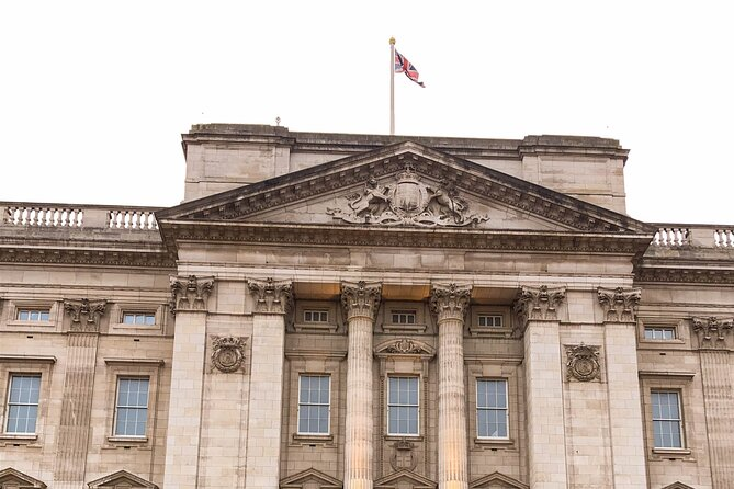 Private Royal Tour of London including The Crown's Landmarks with Local Guide