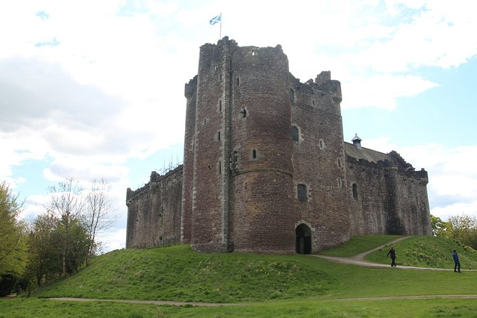 Full-Day Highland Lochs Glens and Castles Tour from Edinburgh