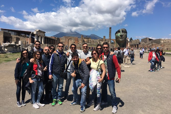 Pompeii with an archaeologist, small group and skip the line