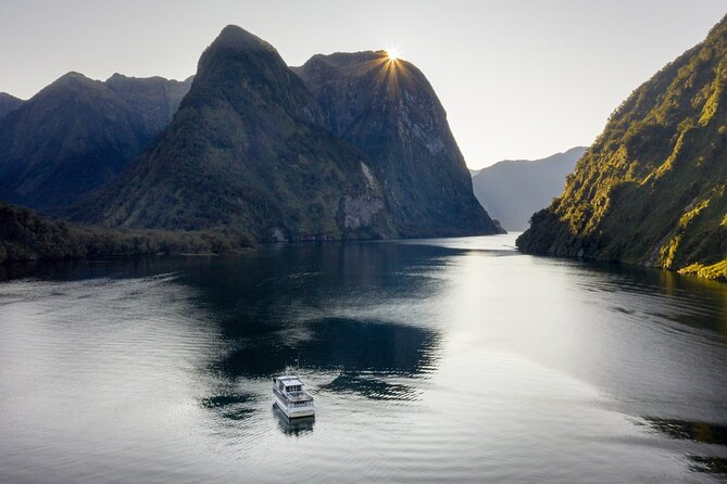 Doubtful Sound Wilderness Day Cruise from Manapouri