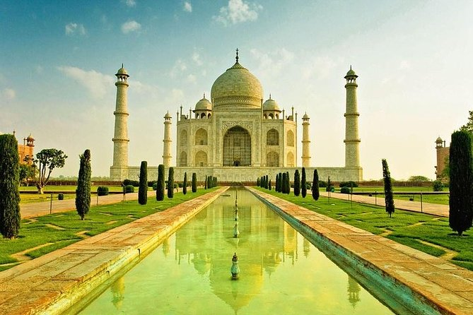 4 Days Golden Triangle Tour With India's Fastest Train/Rail Experience