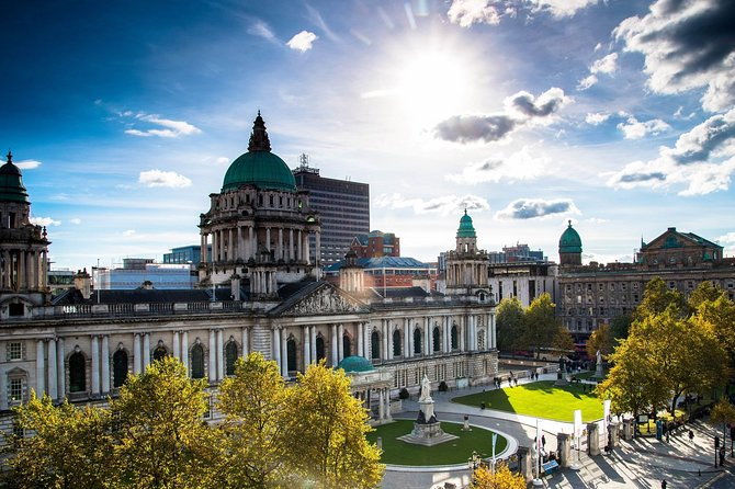 Private Driver Guided Day Tour of Belfast