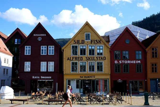 Walking Tour in Bergen of the Past and Present