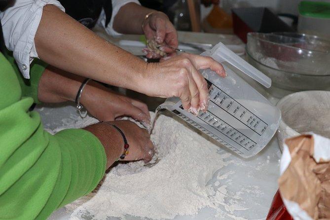 Learn to Knead Bread in a Windmill in Arraiolos