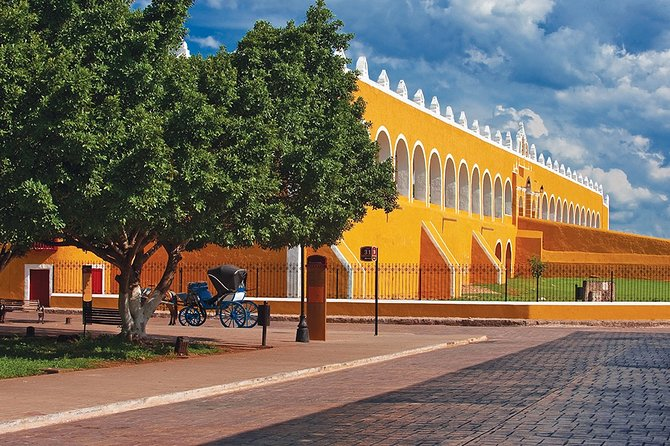 Private Tour in Izamal Magic Town and the Ancient Mayan City