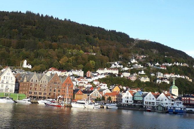 Virtual on-line walking tour: Medieval spirit of Bergen + shopping