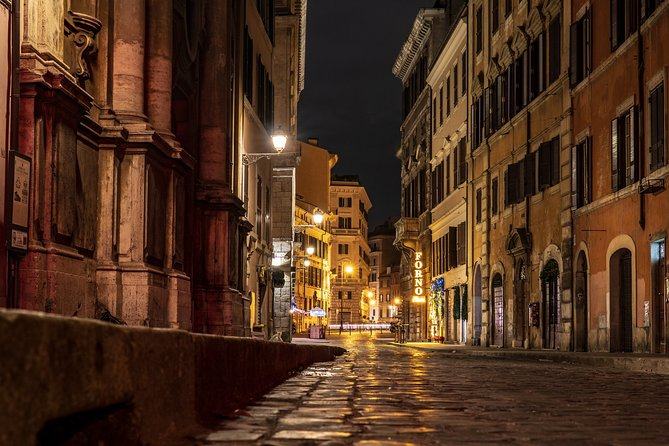 Private Rome Ghost Tour and City Exploration Game