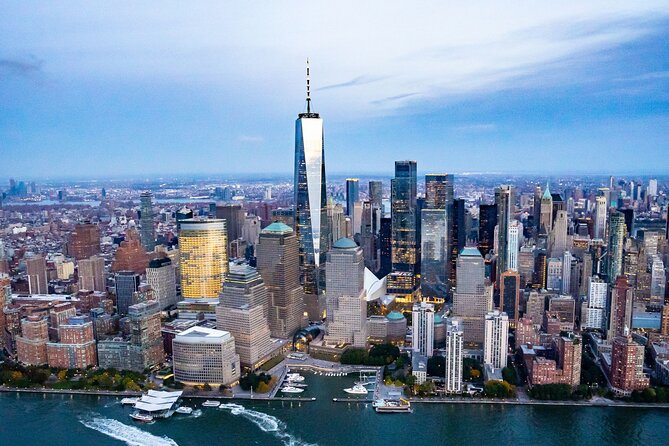 Private NYC Helicopter Sightseeing Charter with Champagne (3-5 People)