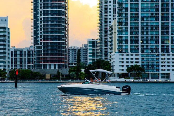 Private Romantic Sunset Boat Cruise in Miami
