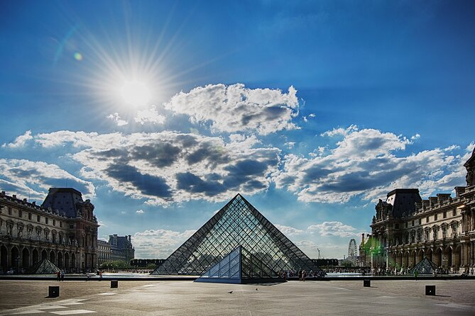 Louvre Private Tour for Families and children