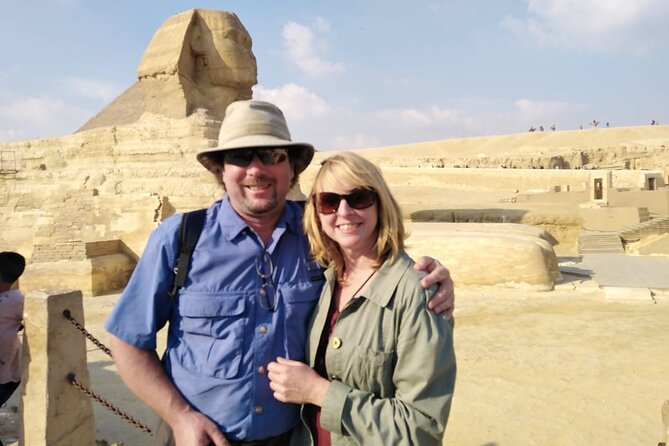 8-Hour tour to Giza Pyramids, Egyptian Museum and Bazaar in one day