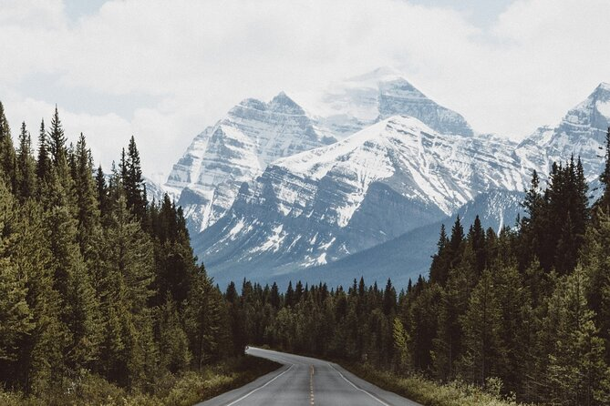 Listen to a Tour Guide as You Drive between Banff and Calgary