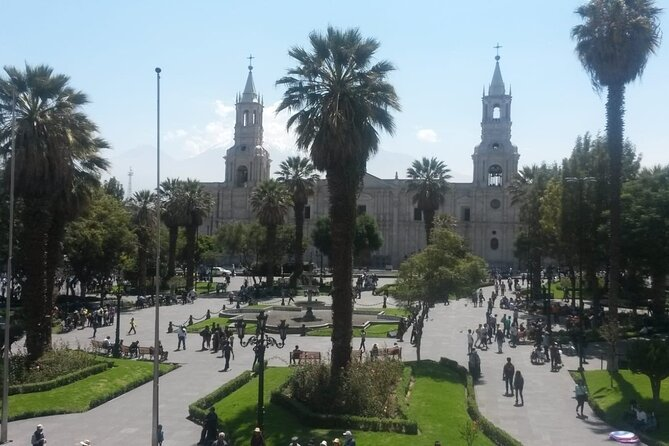 Arequipa Walking Tour and Santa Catalina Monastery