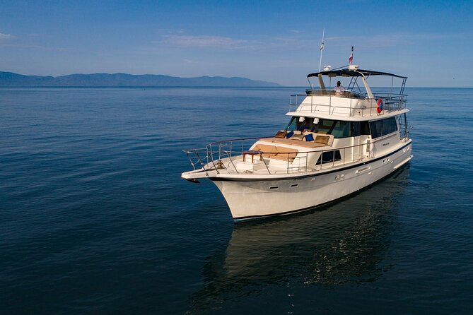 Hatteras 58' Luxury Yacht in Puerto & Nuevo Vallarta
