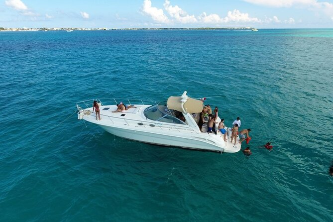 45' Yacht Tour & Party, with Captain, enjoy Miami Beach in a unique way