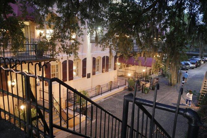 Savannah: Drinks and a Show