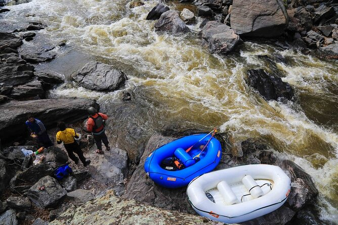 Rentals: 1-Day - 9' Mini Me Inflatable Raft & Assessories 2-4 persons