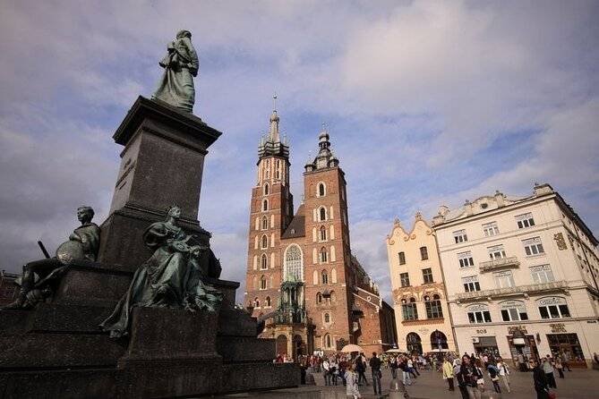Krakow and Wieliczka Small Group Tour from Warsaw with Lunch