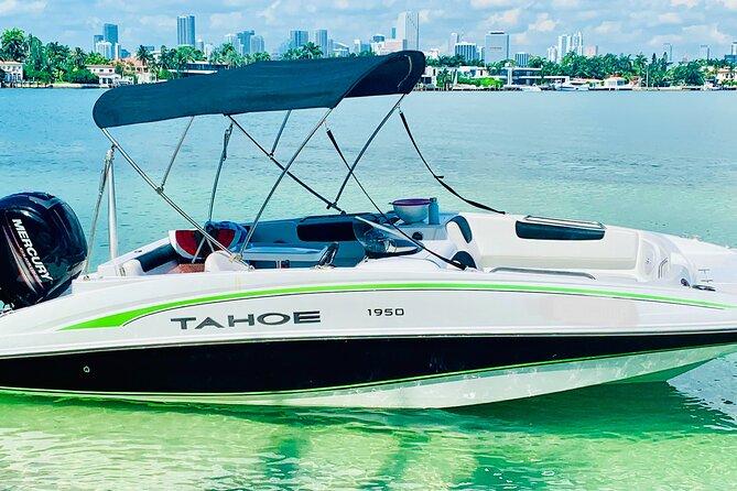 2-hour boat tour with Aquarius Boat Rental