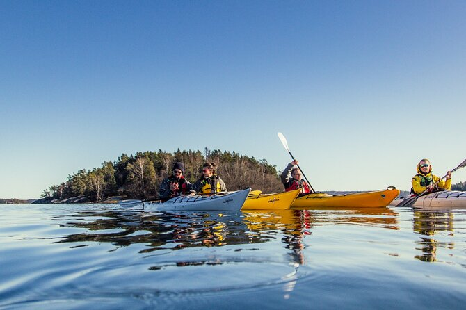 Winter archipelago kayaking