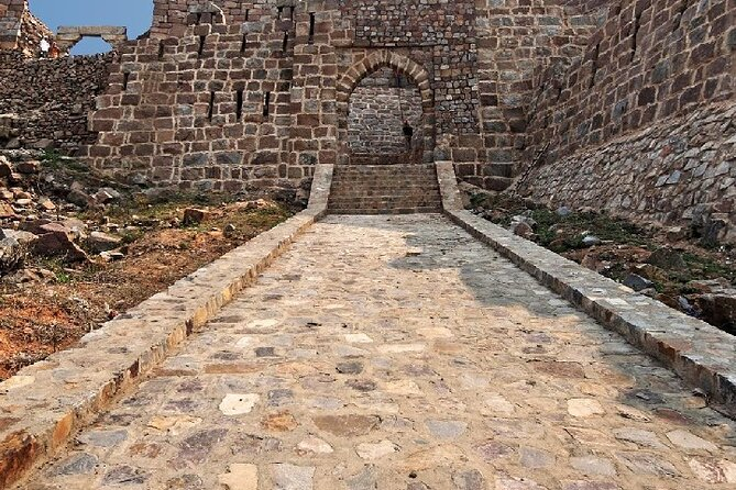 The Cruel Tughlaq Dynasty - A Private Historical Walk with Lunch