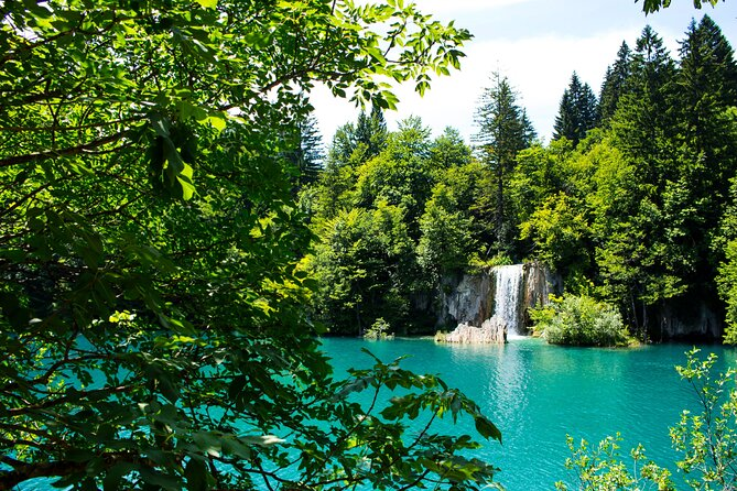 Full-Day Private Plitvice Lakes Tour with Transfer from Zagreb