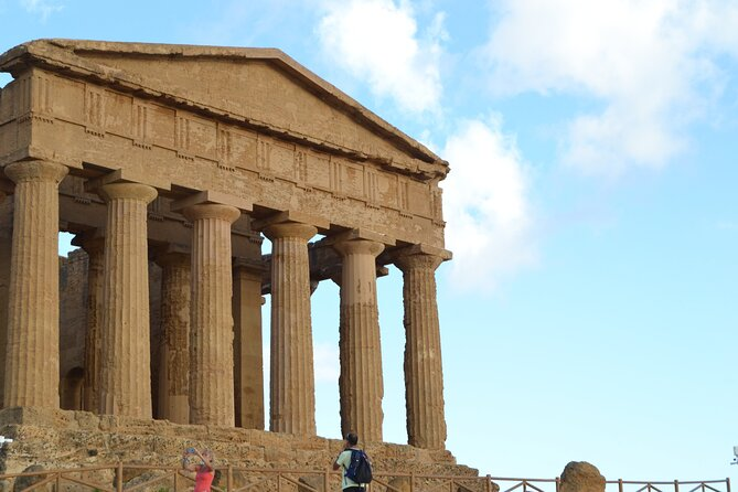 Private transportation to the Valley of the Temples + Agrigento