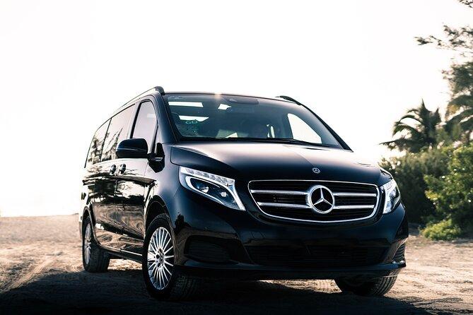 Transfer in Luxury Mercedes Benz Minivan from Cancun
