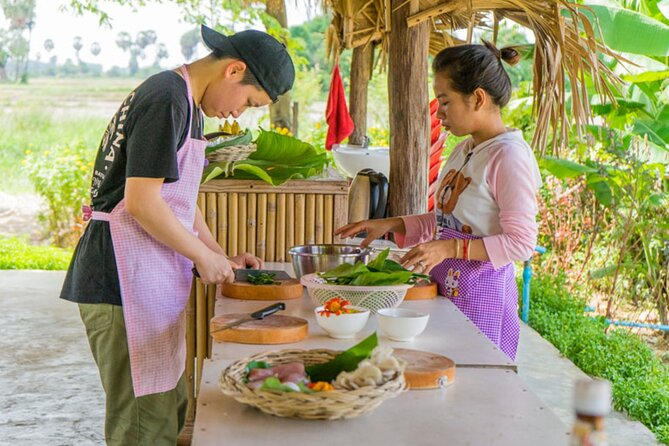 Morning Cooking Class and Market Tour in Siem Reap