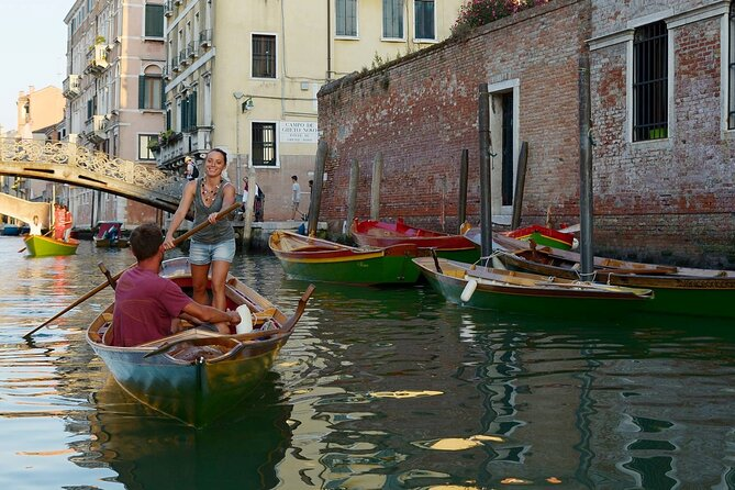 Learn to row in the canals of Venice