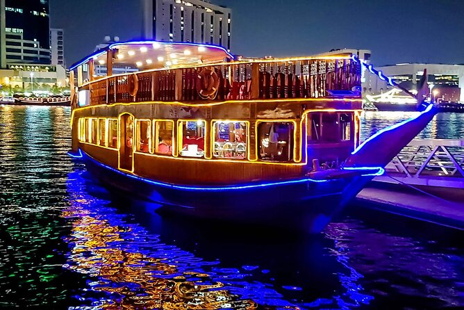 Romantische Creek Dinner Cruise met liveshows