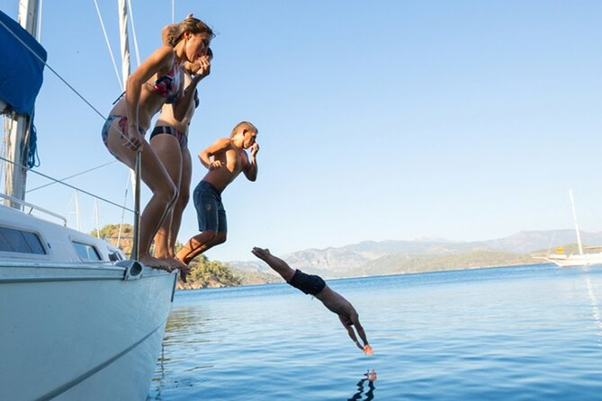 Private cruise with sea swimming and sunbath - 2 hours length