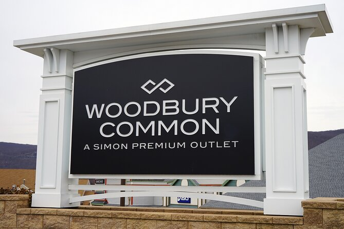 Shopping Tour to Woodbury Common Premium Outlets by Limousine
