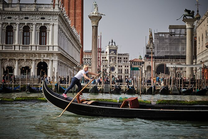 Private Lesson of Venetian Rowing in Venice