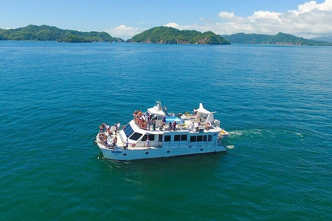 Full Day Tour to Tortuga Island from San José