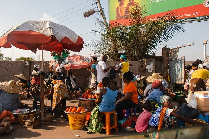 Full-Day Private Culture and History Tour of Accra