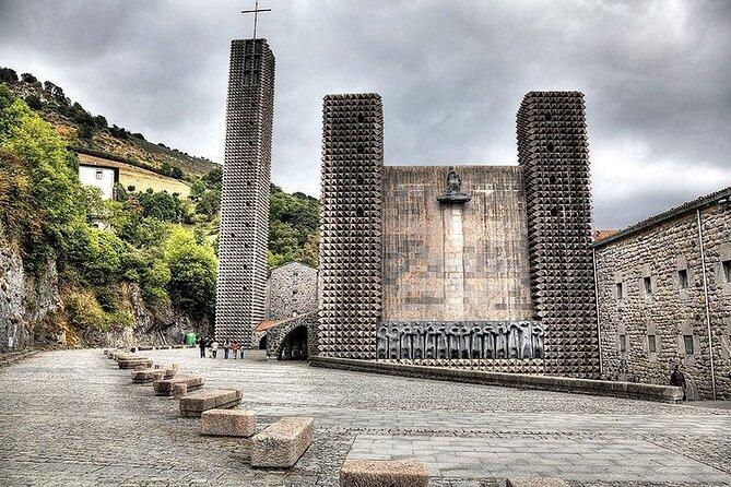Excursión a tres templos por el Camino Ignaciano.