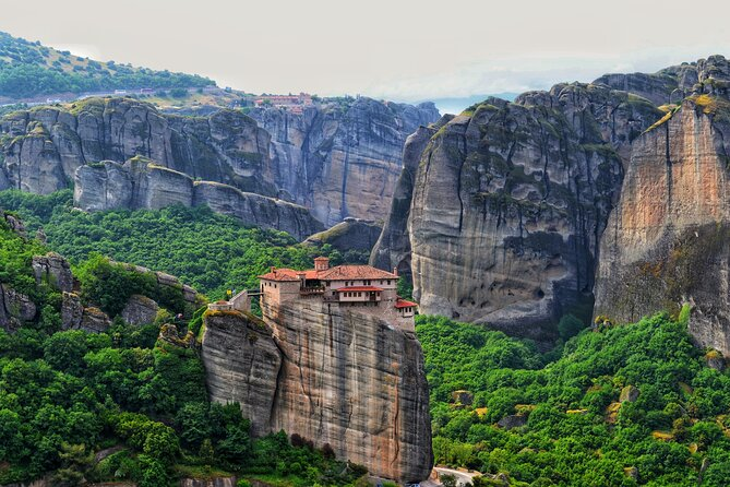 Private Day Trip to Meteora and Thermopylae