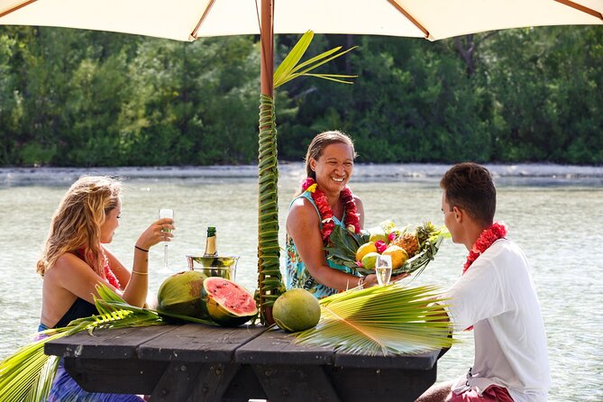 Private Bora Bora Snorkeling Cruise with Optional Vegetarian Lunch on the Beach