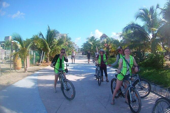 Costa Maya Bike sightseeing, beach day and lunch Excursión,free transportation