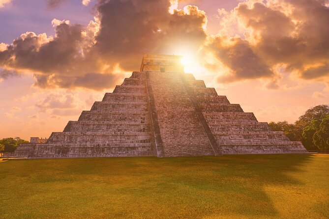 Early Access Guided Tour to Chichen Itza with Lunch Buffet