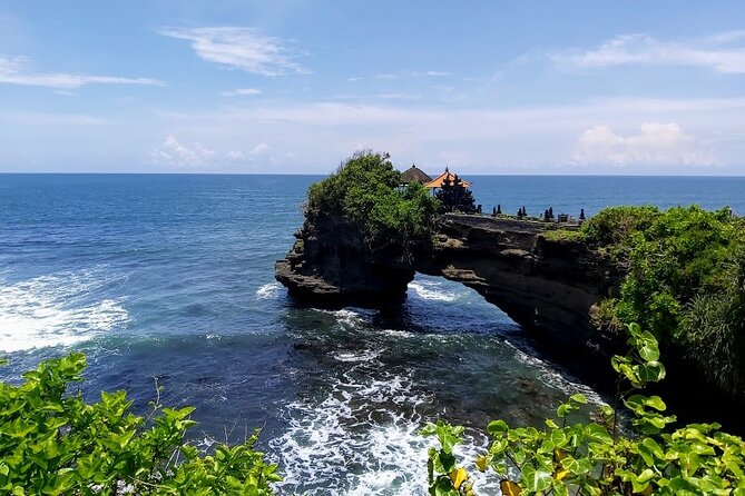 Funtastic Gitgit Waterfall-Bratan Temple-Tanah Lot Temple Private Tour