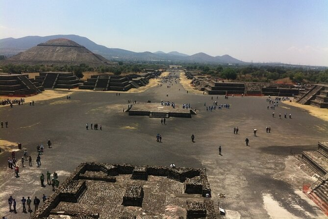 Historical downtown Mexico City & Teotihuacan Piramyds Mezcal tasting