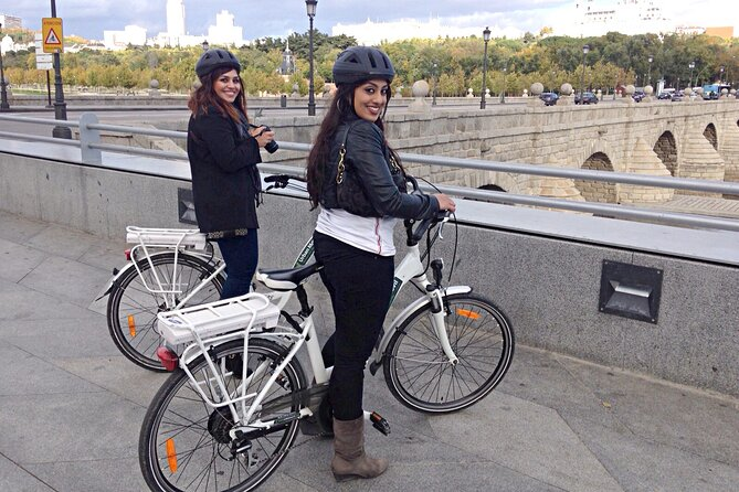 Essential Madrid Electric Bike Tour, 360 Premium Experience (Morning/Afternoon)