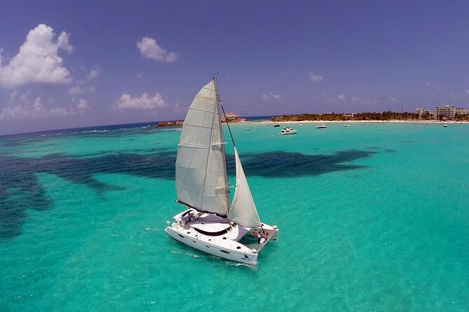 Isla Mujeres Catamaran Sailing Tour with Snorkel, Open Bar and Buffet lunch