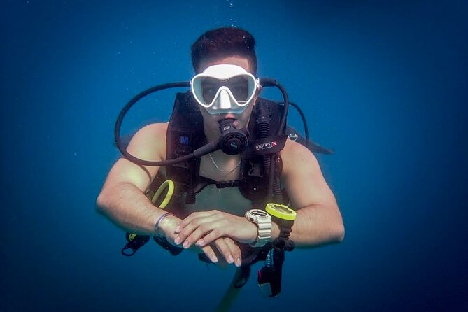 Scuba Review and Refresher Program in Cabo San Lucas with MANTA