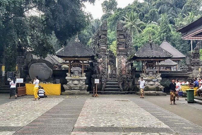 Amazing Private Tours-Besakih Temple-Kintamani Volcano-Tirta Empul Temple-Lunch