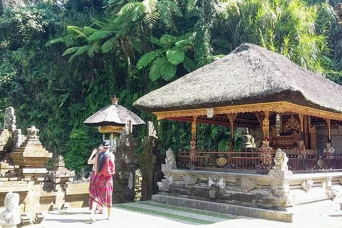 Amazing Private Tours-Ubud Village-Volcano-Tirta Empul Temple-Gunung Kawi Temple