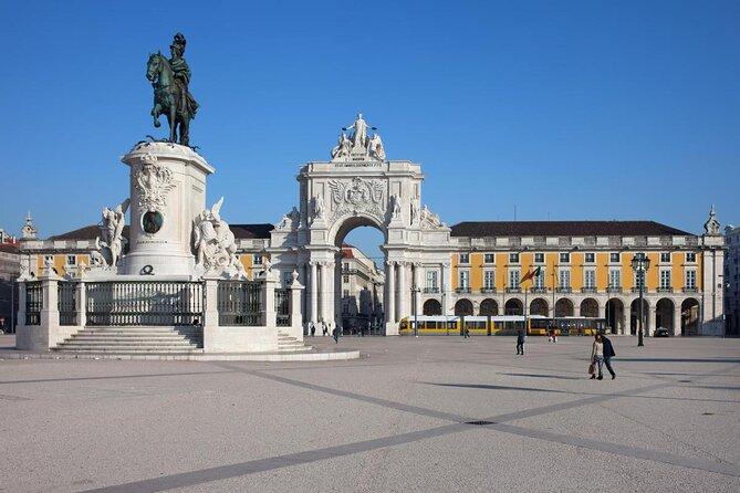 Piazza del Commercio (Praça do Comércio)