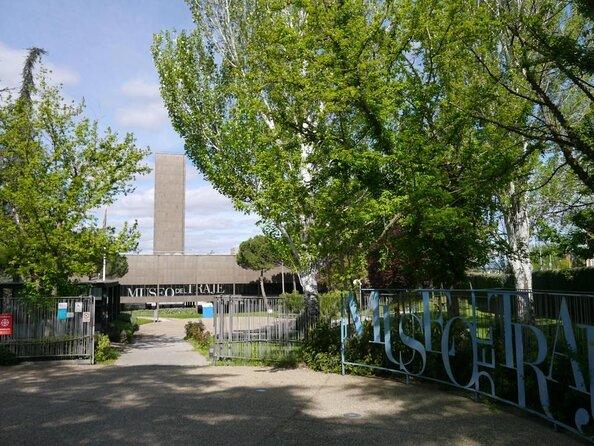 Museum of Costume (Museo del Traje)